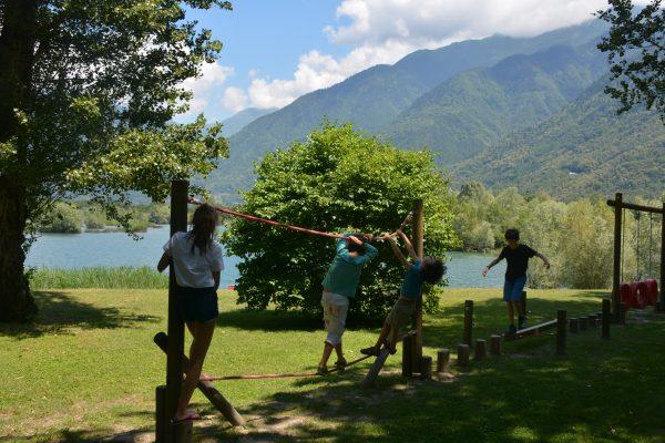 Jeux pour enfants au Lac des Hurtières