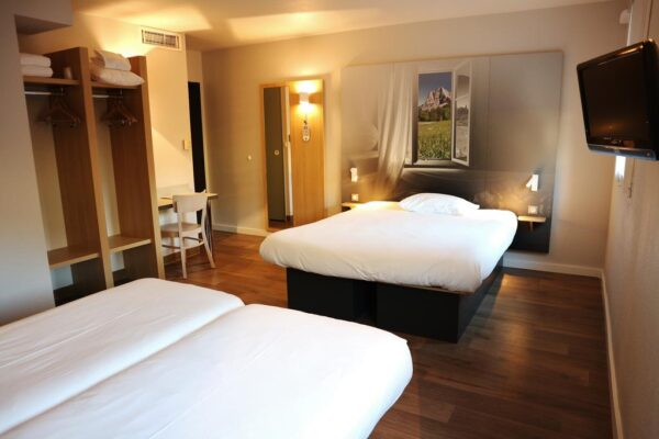 Chambre hotel bnb Sainte Marie de Cuines