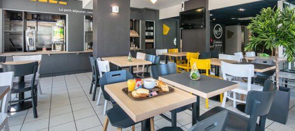 Petit déjeuner à l'Hôtel B&B Saint-Marie-de-Cuines
