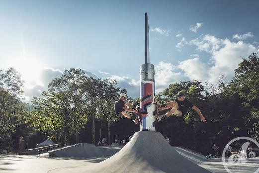 Grand Opinel au Skate Park de la Combe