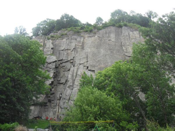 Falaise d'escalade de Saint-Leger